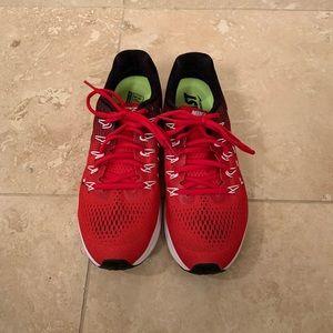 Nike Zoom Pegasus 33 Tennis Shoes